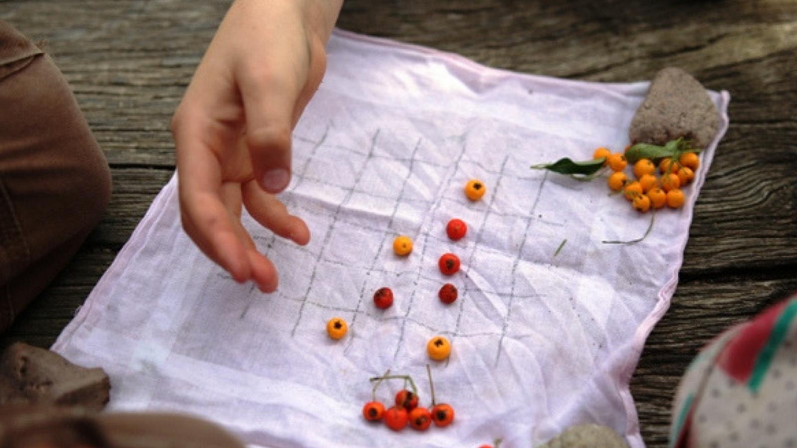 Zahrát si piškvorky venku?